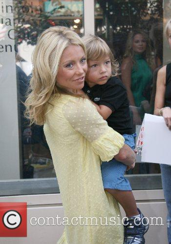 Kelly Ripa 10