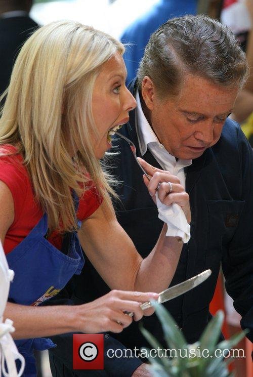 Regis Philbin and Kelly Ripa 5