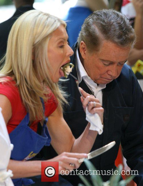 Regis Philbin and Kelly Ripa 3