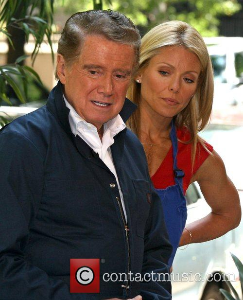 Regis Philbin and Kelly Ripa 9