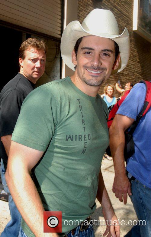 Brad Paisley leaving ABC Studio's after appearing on...