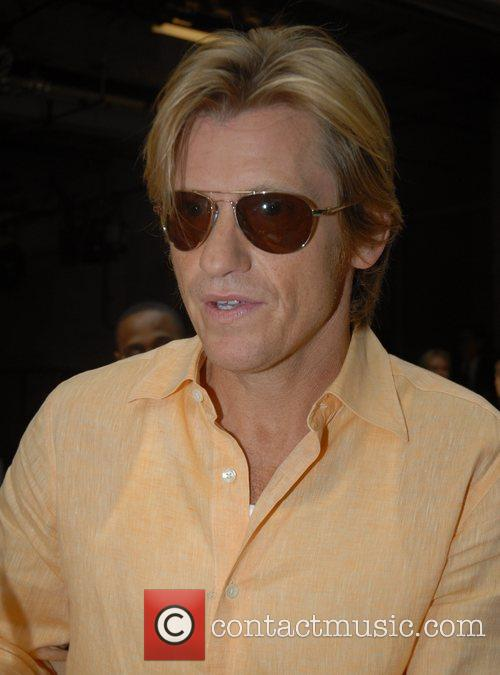 Denis Leary 32
