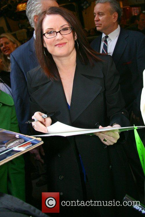 Megan Mullally, Abc and Abc Studios 7