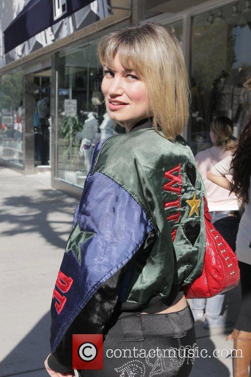 Rena Riffel shopping on Robertson Blvd Los Angeles,...