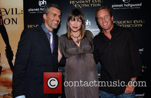 Oded Fehr, Las Vegas and Milla Jovovich 1