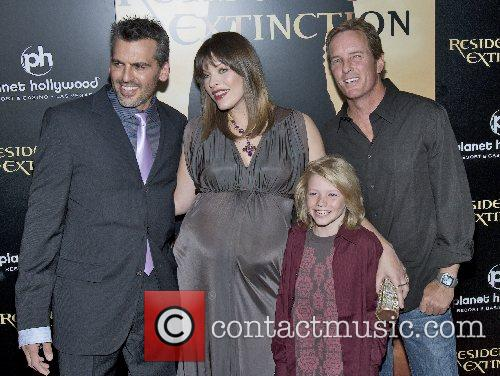 Oded Fehr, Milla Jovovich, Connor McCoy and Linden...