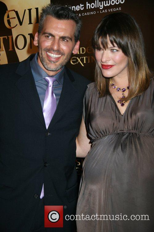 Oded Fehr, Las Vegas and Milla Jovovich 7