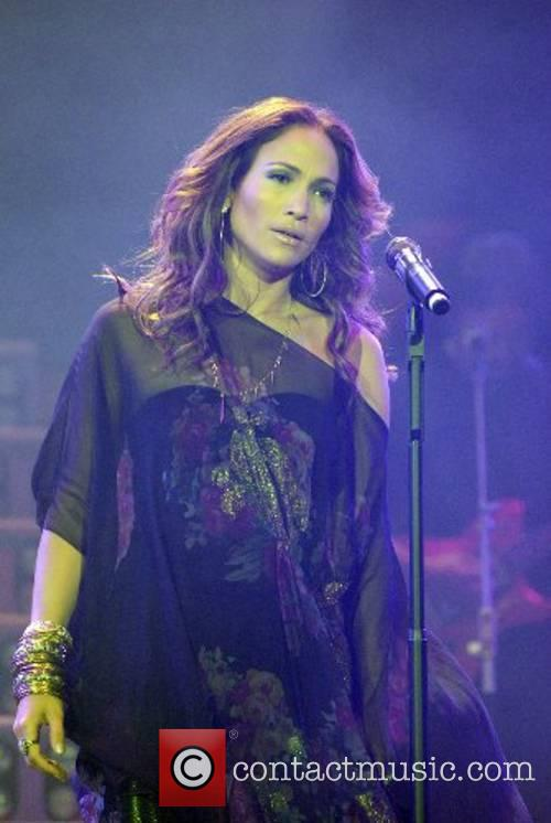 Jennifer Lopez performing at the Reventon Super Estrella...