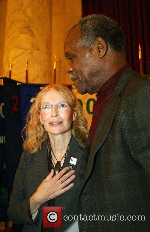 Mia Farrow and Danny Glover 5