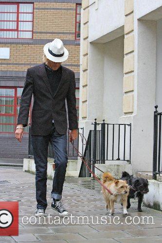 Rhys Ifans 4