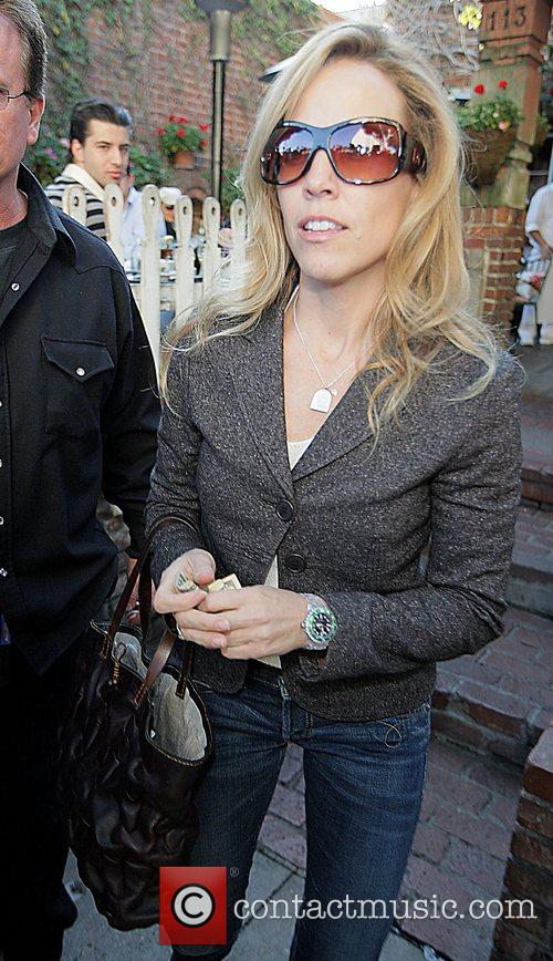 Sheryl Crow leaving after having lunch at the...