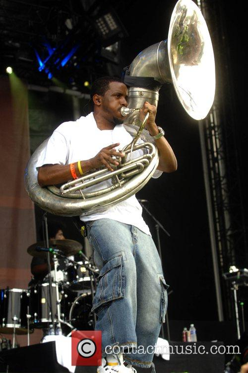 Tuba Gooding Jr. of The Roots Rock the...