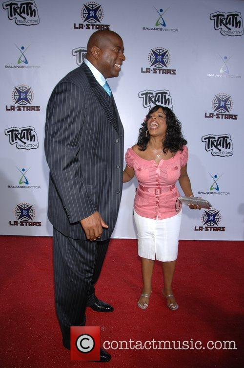 Magic Johnson and Niecy Nash 7