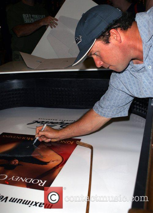 MGM Grand and comedian Rodney Carrington give 8...
