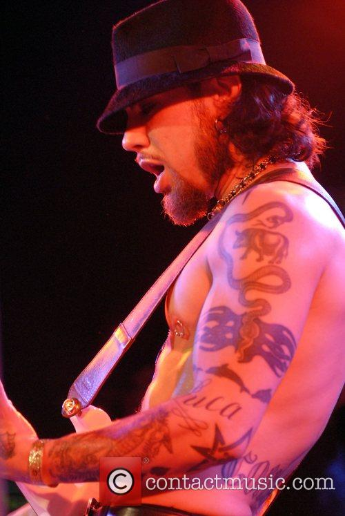 Dave Navarro and Camp Freddy 6
