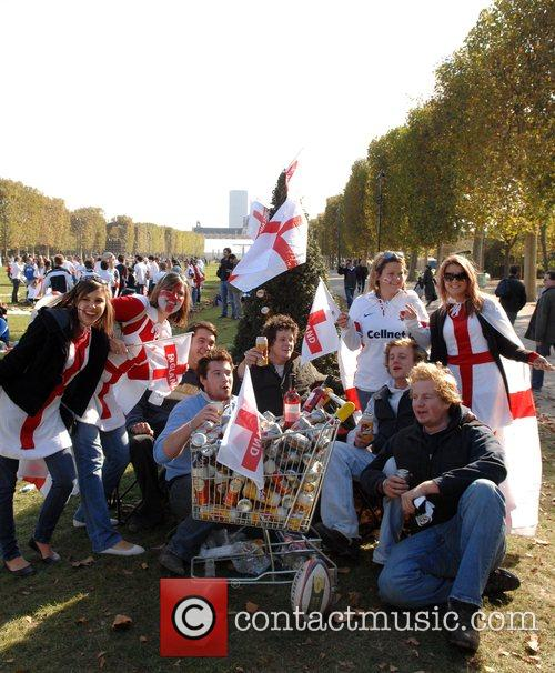 English fans descend on Paris for the Rugby...