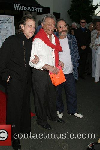 Richard Lewis, Mort Sahl, Harry Shearer 'Salh-ute' -...