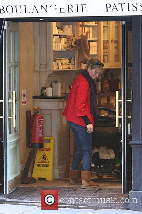 Sara Cox shopping in Camden with her daughter...