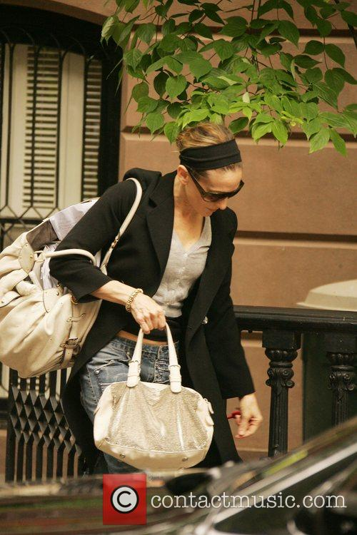 Sarah Jessica Parker leaving her New York townhouse...