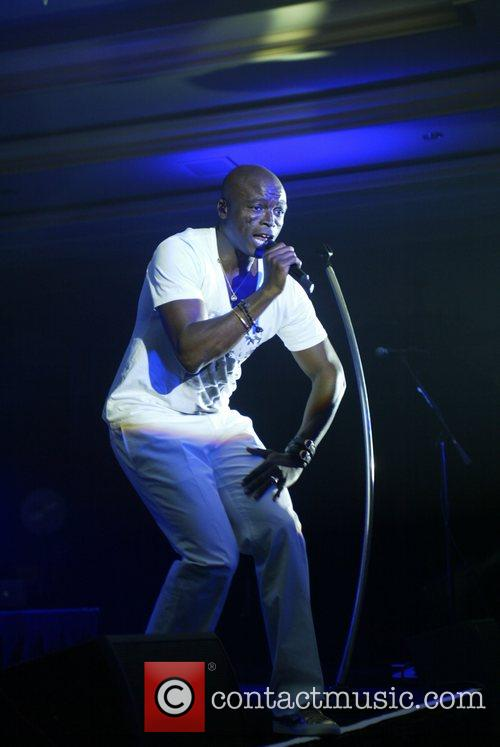 Seal performing at the Larry King gala