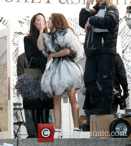 Kristin Davis and Sarah Jessica Parker film a...
