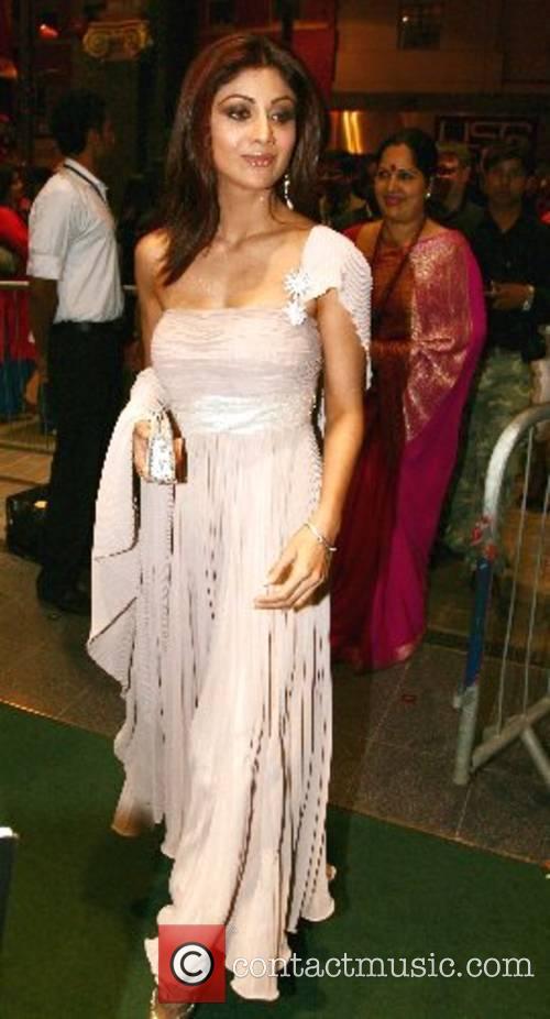 Shilpa Shetty Shilpa Shetty and guests celebrate her...