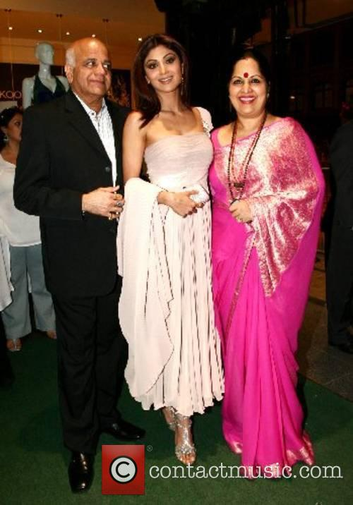 Shilpa Shetty and parents Shilpa Shetty and guests...