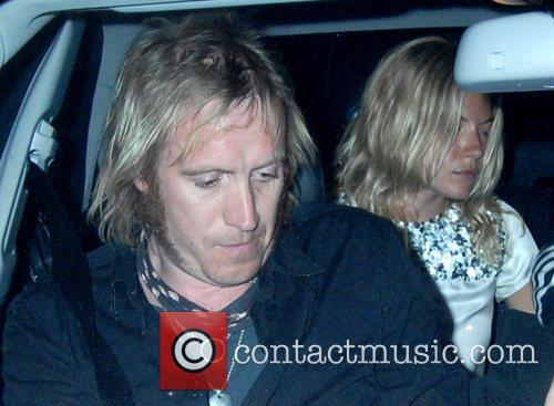 Rhys Ifans and Sienna Miller 5