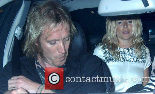 Rhys Ifans and Sienna Miller 2
