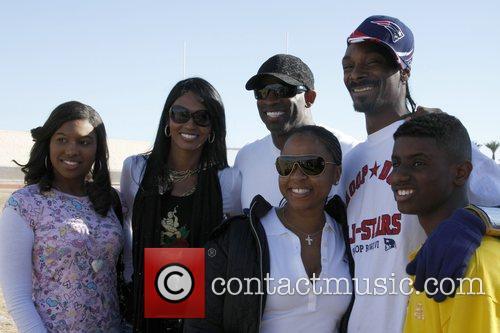 Deion Sanders, Pilar, Deiondra, Deion and Snoop Dogg 1