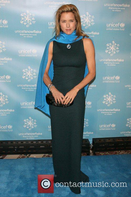 Tea Leoni The 2007 UNICEF Snowflake Ball at...