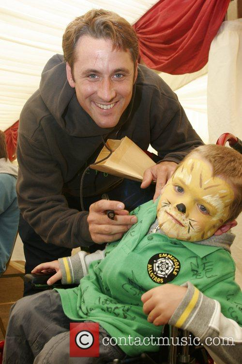 Nick Pickard Soapstars from Hollyoaks and Emmerdale sign...