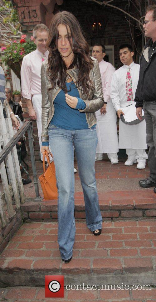 Actress Sophia Vergara  leaving The Ivy restaurant...
