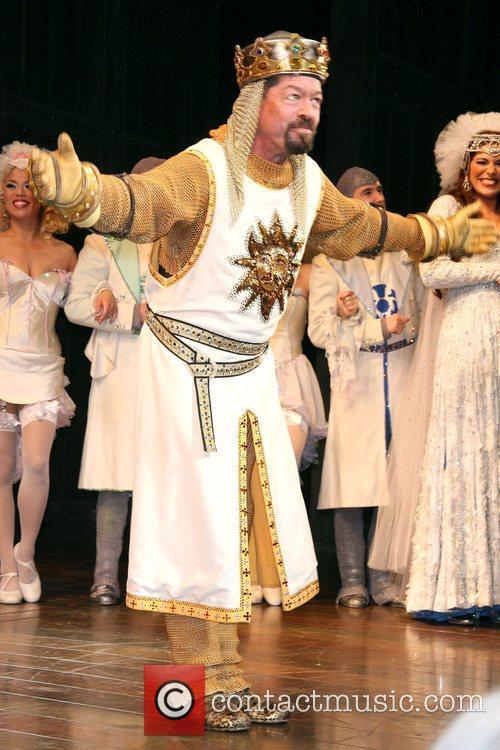 Clay Aiken & Hannah Waddingham make their Broadway...