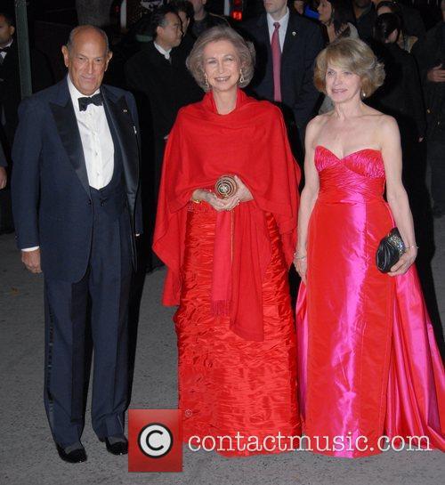 Queen Sophia and Oscar De La Renta Spanish...