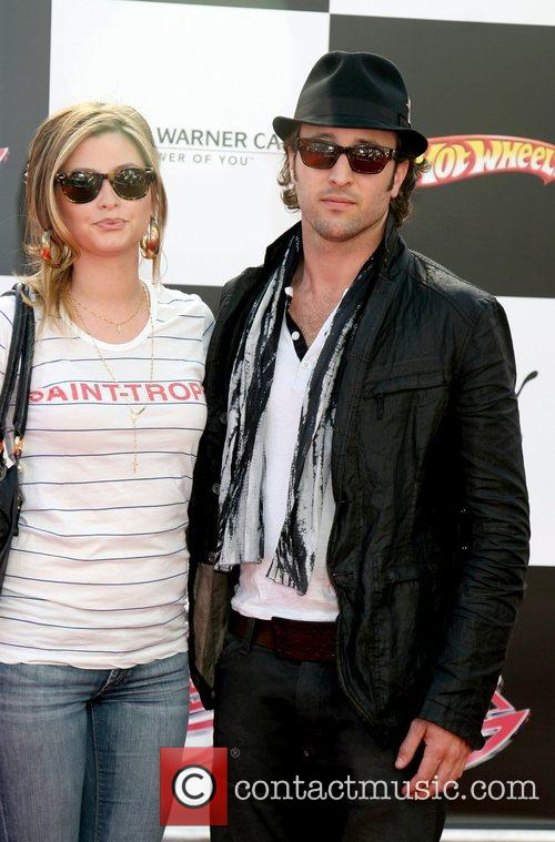 Holly Valance and Alex O'loughlin 2