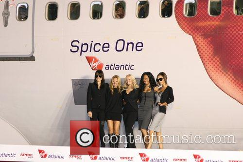 Spice Girls, Emma Bunton and Geri Halliwell 4