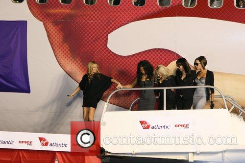 Spice Girls, Emma Bunton and Geri Halliwell 7