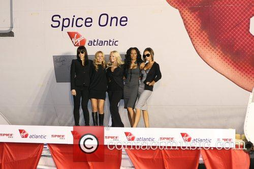 Spice Girls, Emma Bunton and Geri Halliwell 9