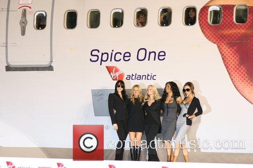 Spice Girls, Emma Bunton and Geri Halliwell 5