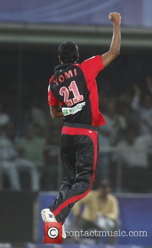 Delhi Daredevils Yo Mahesh celebrates with teammates dismissal...