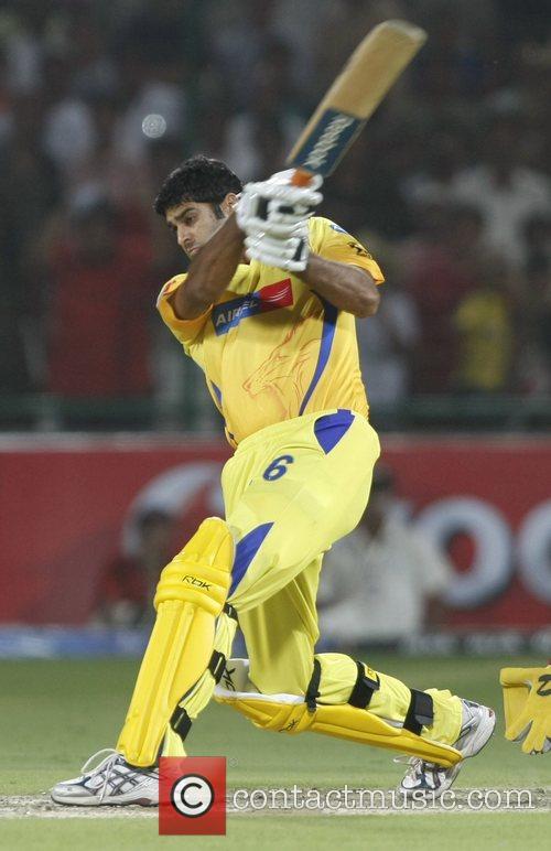 http://www.contactmusic.com/pics/l/sport_ipl_090508/manpreet_gony_player_of_chennai_super_kings_plays_a_shot_during_the_ipl_t-20_match_between_delhi_daredevils_vs_chennai_super_kings_at_feroz_shah_kotla_1857597.jpg
