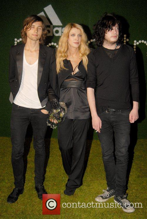 Courtney Love and Stella Mccartney 1