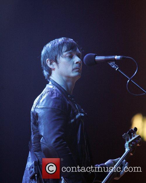 Richard Jones of the Stereophonics performing in concert...