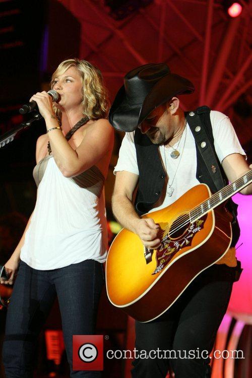 Jennifer Nettles and Kristian Bush Sugarland perform at...