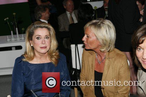 Catherine Deneuve, Sabine Christiansen T-Com