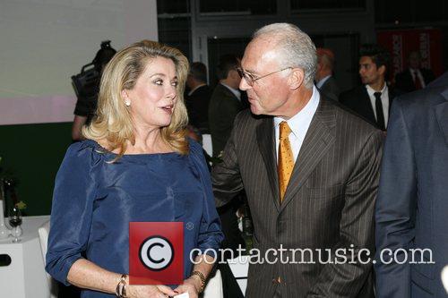 Catherine Deneuve, Franz Beckenbauer T-Com