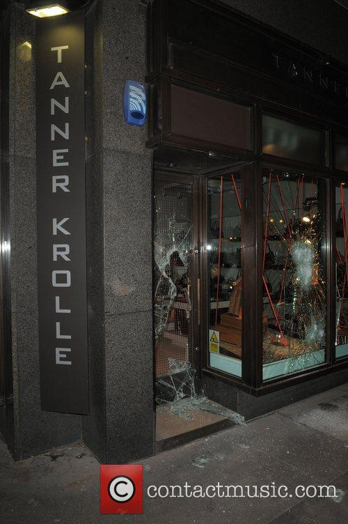 Smash and Grab robbery at the Tanner Krolle...