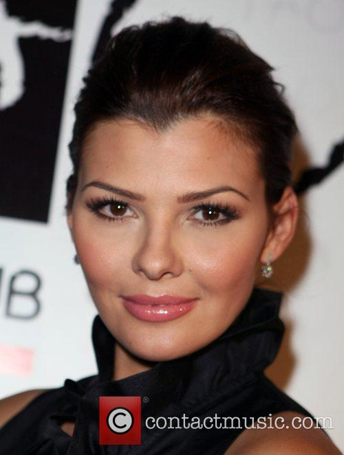 Ali Landry and Versace 4