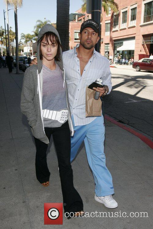 Taryn Manning and her boyfriend leave a medical...